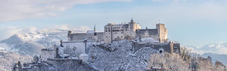 Fortress Hohensalzburg in the Winter, snowy Fototapete
