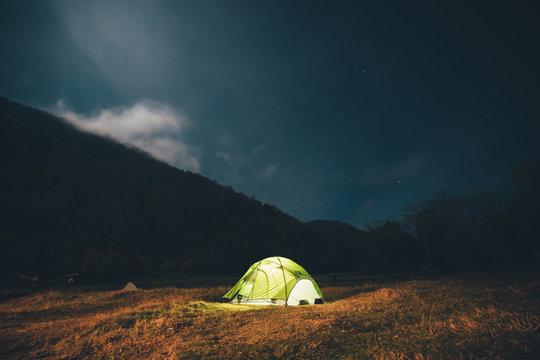 ソロキャンプ 山でテント泊