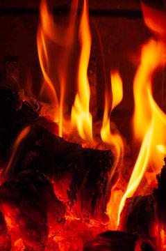 Plan de braises de cheminée