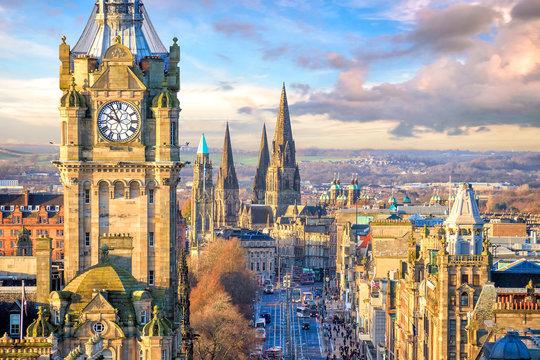 Old town Edinburgh and Edinburgh castle