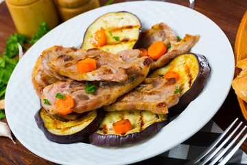 Barbecued lamb chops with aubergine