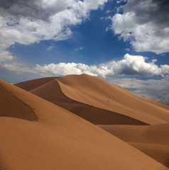 Photo sur Toile Desert de sable Big sand dunes in desert