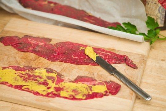 Zubereitung von Rinderrouladen