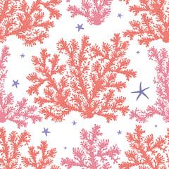Графический бесшовный узор на белом фоне с изображением кустов кораллов розового и кораллового цвета с тёмными точками, между ними морские звёзды сиреневого цвета.