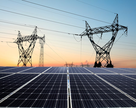 Pylon and photovoltaic panels