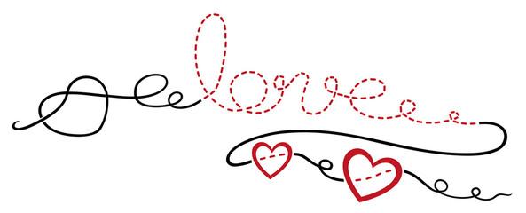 Gestickter Schriftzug love, Faden mit Herzen und Schnörkeln.