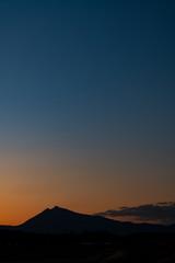 シルエット筑波山冬夕景