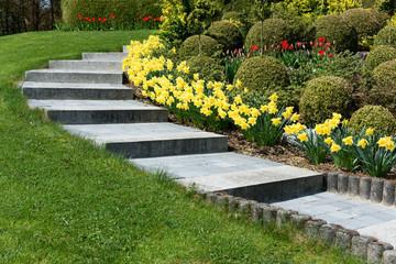 Frühling, Garten, Blumen, Gartenweg