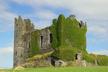 Wild Atlantic Way - Ballycarbery Castle