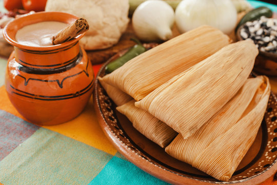 tamales mexicanos, mexican tamale ingredients, spicy food in mexico