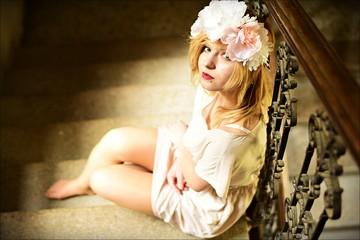 Obraz Dziewczyna w wianku - fototapety do salonu