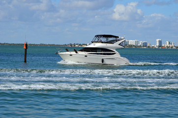 High-end cabin cruiser on the Florida Intra-Coastal Waterway