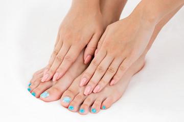 手と足のネイル