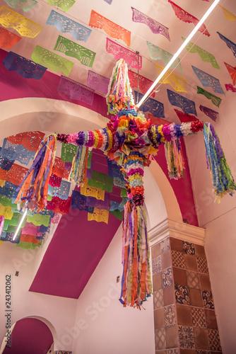 Piñatas Multicolores Mexicanas En Decoración De Casa