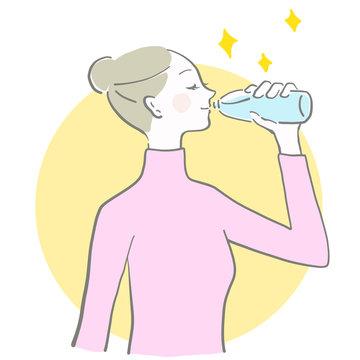 水 飲む 女性 余白 水分補給 冬は水分補給