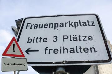 Frauenparkplätze Diskriminierung