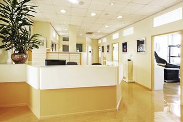 Lobby Arztpraxis mit Tresen