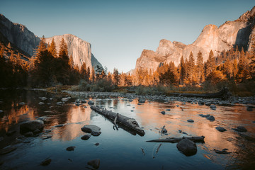 In de dag Verenigde Staten Yosemite National Park at sunset, California, USA