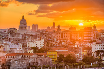 Poster Havana Havana, Cuba downtown skyline with the capitolio at sunset.