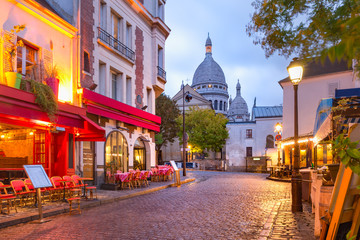 Montmartre in Paris, France Fototapete