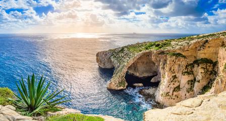 Obraz Blue Grotto, Malta. Natural stone arch and sea caves. - fototapety do salonu
