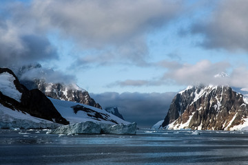 The landscape of the coast of Antarctica