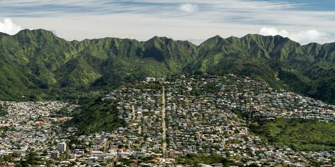The Gathering Place - Honolulu's 10th Avenue leads the eye to the Ko'olau Mountain Range. Oahu, Hawaii, USA