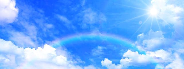青空と雲と太陽と虹