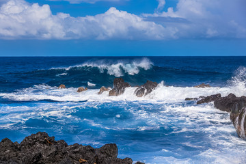 forte déferlante bleue, le Gouffre, île de la Réunion