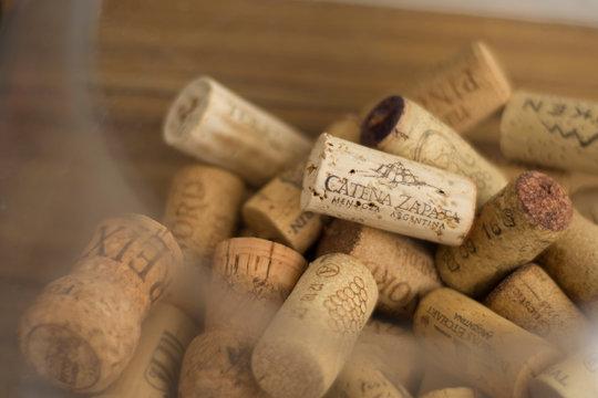 Rolhas de vinho cateza zapata