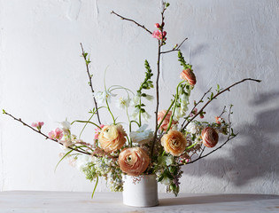 Flower arrangment with ranunculus