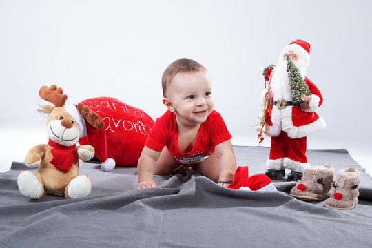 Kind im Weihnachtsmotiv