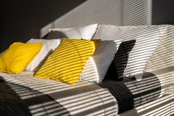 Fototapeta architektura wnętrz- stylizacja- poduszki obraz