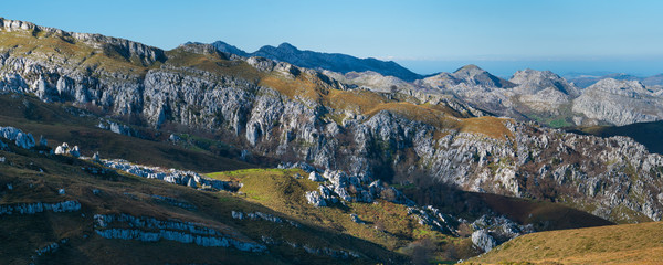 Los Machucos o Colláu Espina. It is located at 921 metres (3,022 ft) above sea level and communicates the villages of Bustablado and San Roque de Riomiera. Valles Pasiegos, Cantabria, Spain, Europe