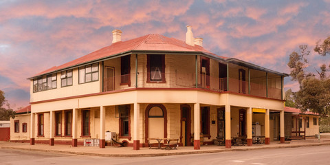 Old Outback Hotel