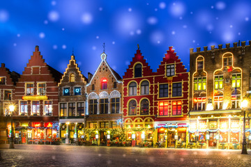 Foto op Canvas Brugge Decorated and illuminated Market square in Bruges, Belgium