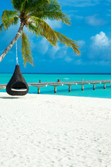 Papiers peints Tropical plage tropical Maldives island with white sandy beach and sea
