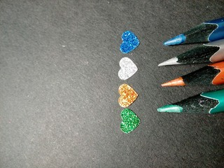 Lápices y corazones