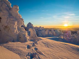 Sonnenuntergang im winterlichen Erzgebirge