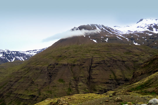 Panoramic mountain view on the way to Joklasel, Iceland