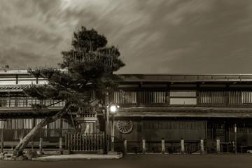 Fototapete - Historical street at historical town Takayama in Japan at night