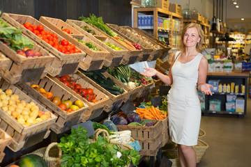 Woman shopping veggies