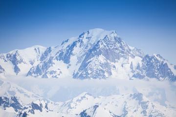 Keuken foto achterwand Europese Plekken Beautiful view of snow Mont Blanc peaks and clouds