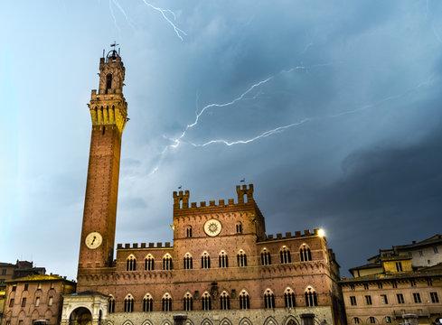 Lighting bolt over Siena, piazza del campo