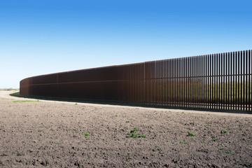 New iron  U.S.-Mexico border fence  in Texas
