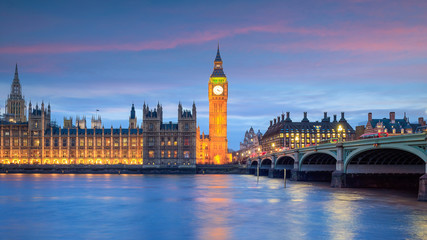 Wall Mural - Big Ben and Houses of parliament at twilight