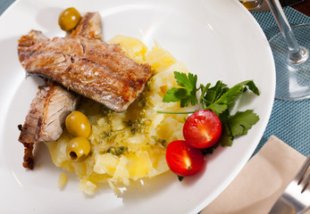 Fish dish – roasted scomber with mashed potatoes