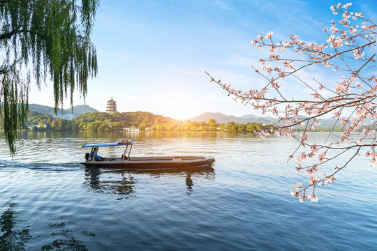 The sightseeing boat is on the lake,Beautiful landscape and landscape in West Lake, Hangzhou