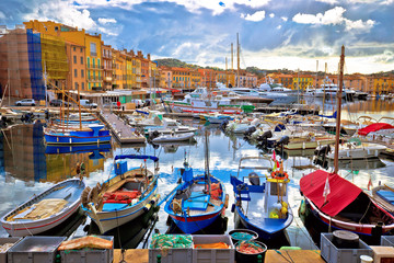 Spoed Fotobehang Europese Plekken Colorful harbor of Saint Tropez at Cote d Azur view