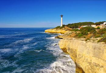 Torredembarra Leuchtturm an der Costa Dorada in Spanien - Torredembarra lighthouse near Tarragona, Costa Dorada, Catalonia
